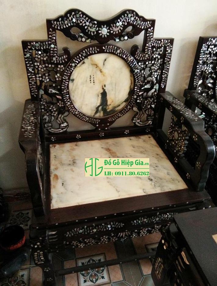 z935089529454 e1299aa049a87fe67d41457b584acfa4 - Bộ Ghế Vách Mai Khảm ốc MS: 08